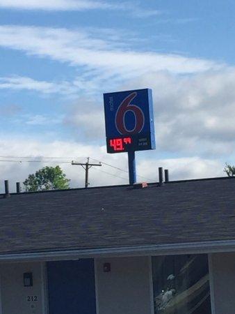 Troutville, VA: advertised room charge
