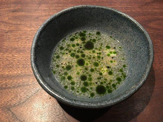 Momofuku Ko : razor clam - pineapple, basil