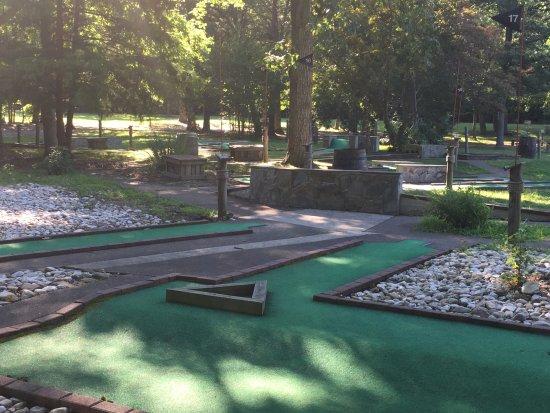 Lorton, VA: Challenging Mini Golf