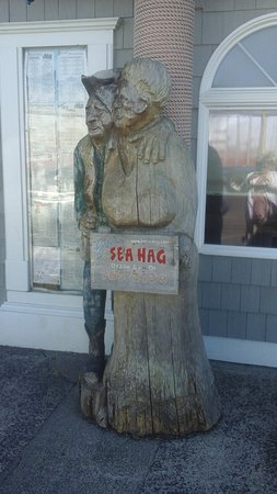 Depoe Bay, OR: Outside the doors to the Sea Hag