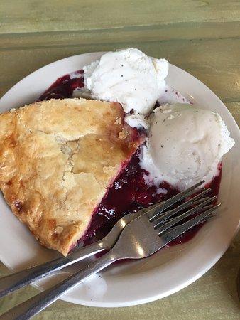 Mount Carmel, Γιούτα: Good burgers, sandwiches & pie