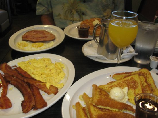 Shoreline, WA: Breakfast for two including mimosa