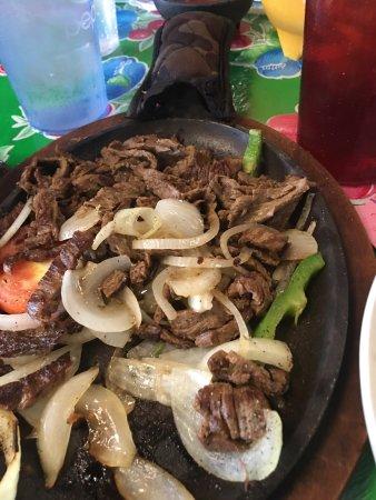 Mount Vernon, MO: El Azteca Mexican Restaurant