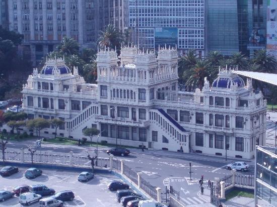 Edificio La Terraza Est Modernista En Los Jardines De