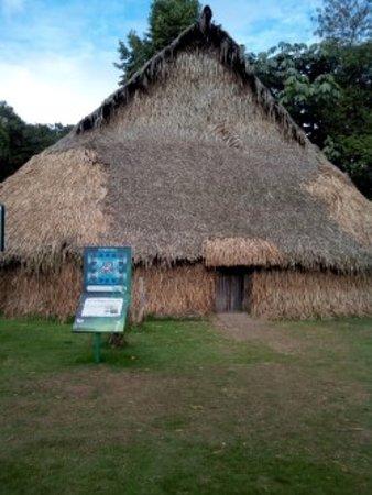 Jardín Botánico de Bogotá Jose Celestino Mutis: maloca