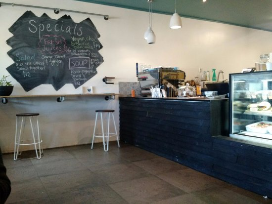 Springwood, Australia: Suburban wholefood kitchen