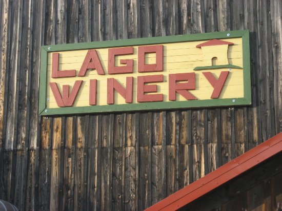 Lago Winery: Front of Building