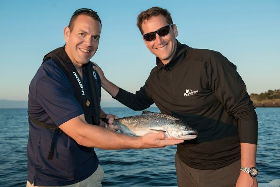 Nanoose Bay, Canadá: Sportfishing charters for Pacific salmon species, rockfish, crab & prawns