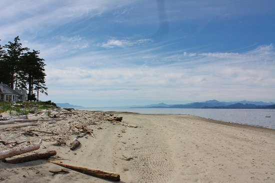 Nanoose Bay, Canadá: Thormanby Island adventure - endless while sand beaches to explore