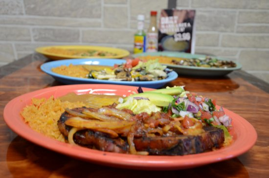Belleview, FL: Indulge your taste buds with fresh authentic Mexican food