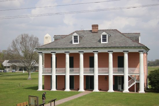 Chalmette, LA: House from Levee