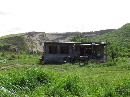 Coral Coast Railway: Sand mine on the way