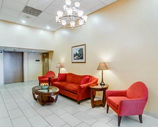 Quality Inn & Suites: VALOBBYSITTING