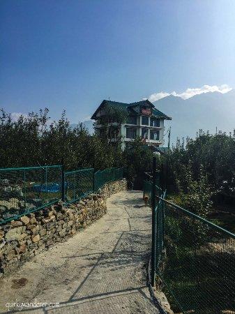 The Grand Shamba-La: Yeti retreat  Yeti sports bar  Yeti explorer