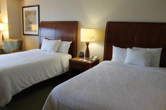 Addison, IL: 2 Double Guest Room