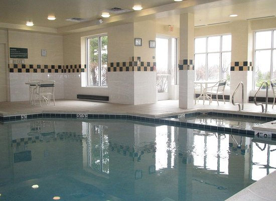 Addison, IL: Indoor Pool & Whirlpool