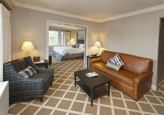 Hanover Inn Junior Suite with pocket doors