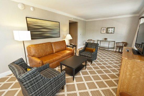 Hanover Inn 1 Bedroom suite campus view