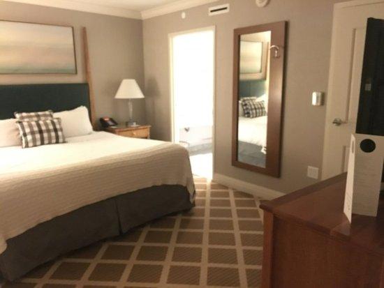 Hanover Inn 1 bedroom suite bedroom