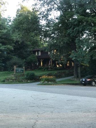 Laurelwood Inn: photo0.jpg