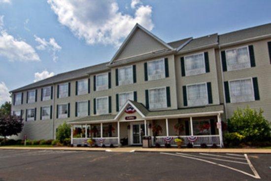 Coshocton Village Inn Hotel