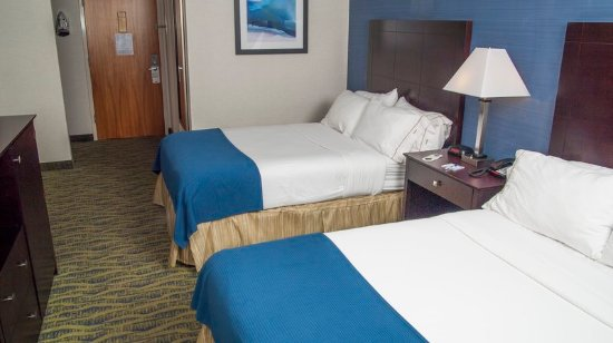 Holiday Inn Express & Suites - York: Double Bed Guest Room