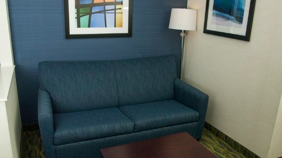 Holiday Inn Express & Suites - York: Executive Room