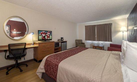 Red Roof Inn U0026 Suites Cleveland   Elyria: ADA King