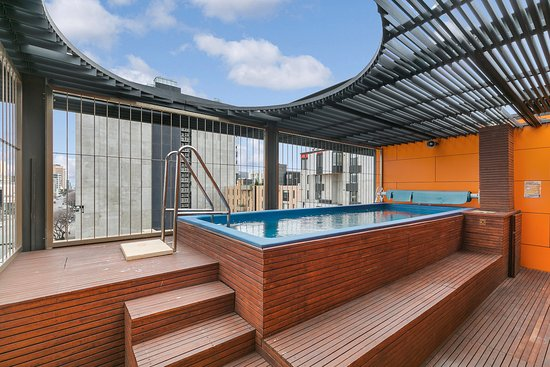 Clarion hotel soho au 144 a u 1 6 1 2018 prices for Pool show adelaide 2018
