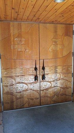 Marysville, WA: Ornately Carved Doors