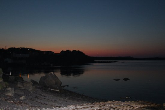 Gunners Cove, Canada : Beautiful sunset from the dock.