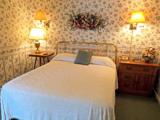 The thompson house prices hotel reviews windham ny for The thompson house
