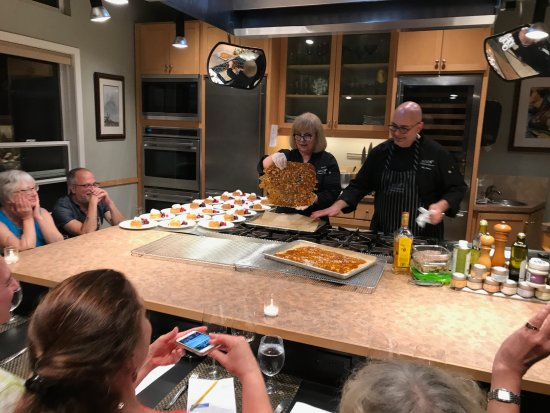 EVOO Cannon Beach Cooking School: The owner/chefs prepare the food you will eat--as you watch!