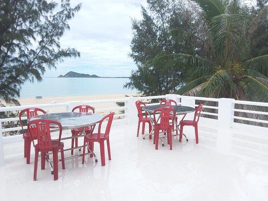 Song Cau Town, Vietnam: Restaurant on the beach bungalow