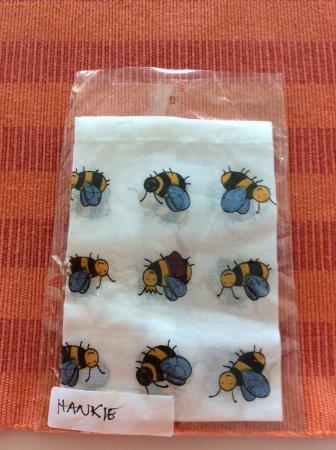 Kingscote, Australia: My gorgeous honey bees hanky !!! So cute !!! ♥️