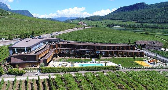 Urlaub Im Neubau Hotel Thalhof Am See Caldaro Sulla Strada Del