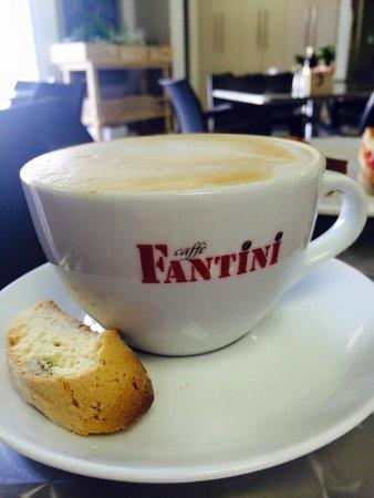 เบโนนี, แอฟริกาใต้: Great coffee, served with homemade biscotti