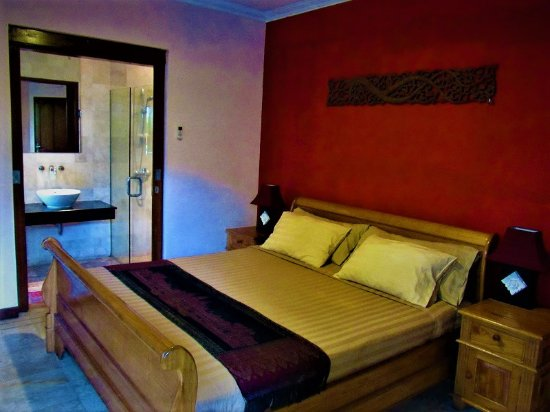 Villa Layang Bulan: Superior Kuta double room by the Pool with private bath and terrace