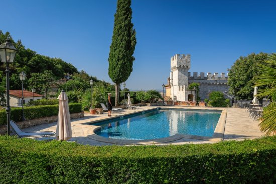 Castello delle Serre: The amazing pool area – to die for! – tunliweb.no
