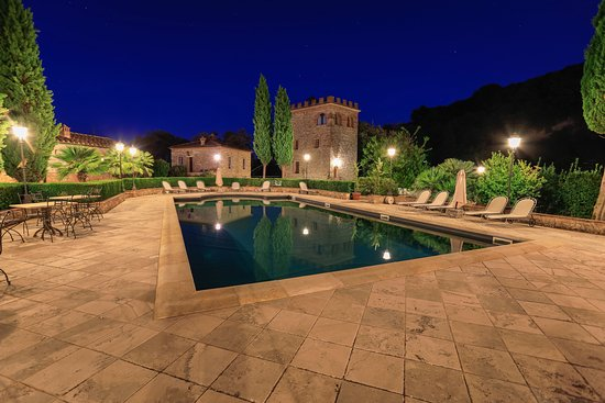 Serre di Rapolano, Italy: The amazing pool area – to die for! – tunliweb.no