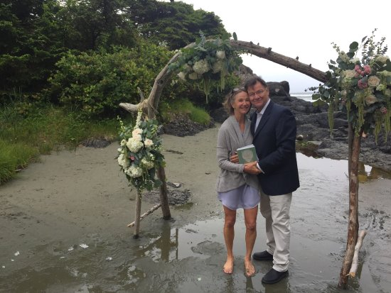 Pacific Sands Beach Resort: what an incredible place for a wedding!
