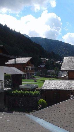 Hotel l'Ours Blanc : vue d'une chambre