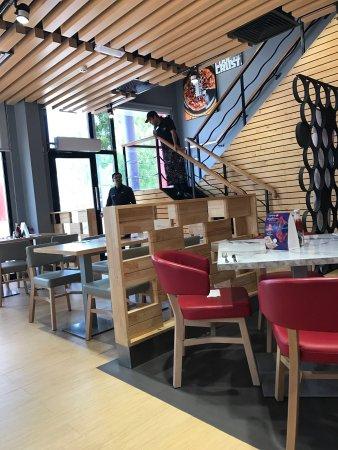 Pizza Hut Sur Restaurant Reviews Photos Tripadvisor