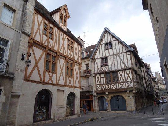 Rue Des Forges: Maison à colombages