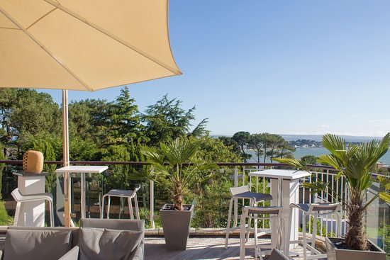 Harbour Heights Hotel: Terrace