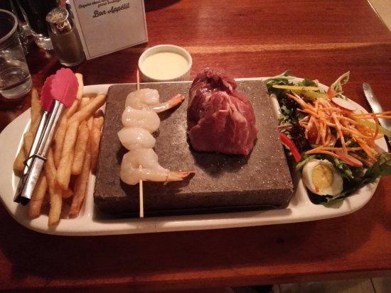 Potshot Resort: Stonegrill steak