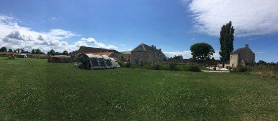 Asnieres-en-Bessin, Франция: Zeer ruime plekken