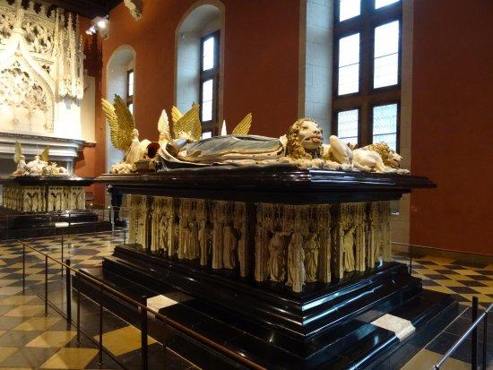 Ducal Palace: Tombeaux des Ducs de Bourgogne