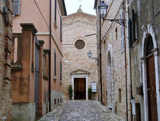 Acquaviva Picena, Ιταλία: Risalendo Via San Rocco