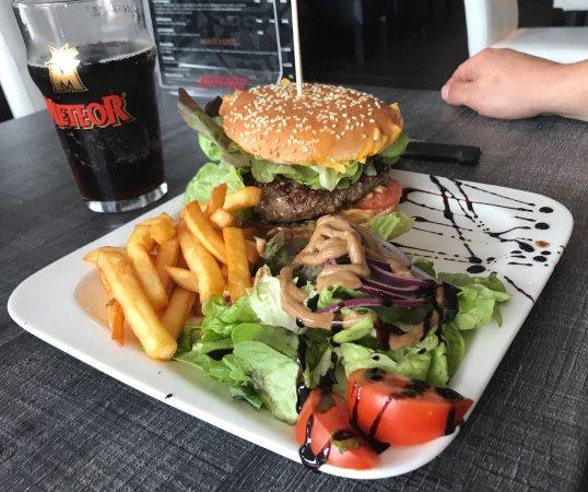Deux burgers mangé à L'ekinox Bar (bovin et volaille)👍🏻